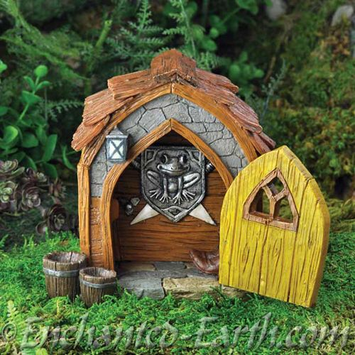 Fiddlehead fairy garden large gnome foye with opening door for Large gnome doors
