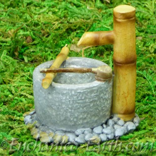Vivid arts miniature world japanese miniature garden for Japanese bamboo water feature