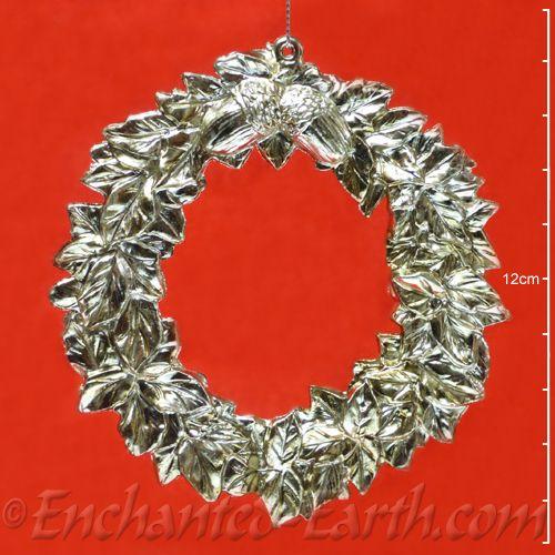 Pewter Effect Christmas Wreath Hanger Leaf Acorn Decoration 11cm